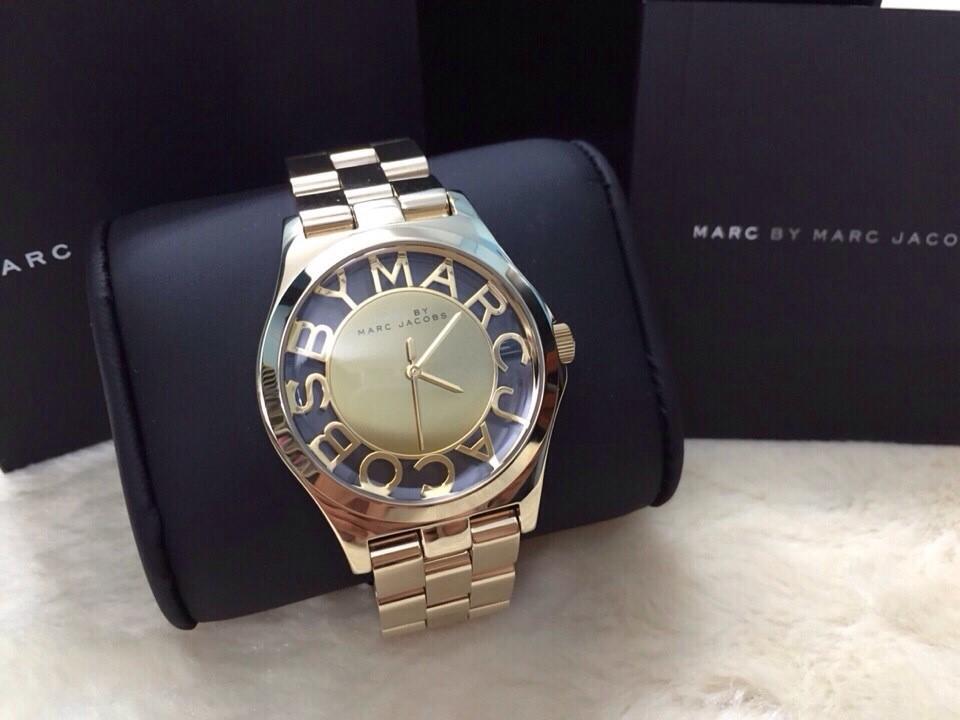 Marc Jacobs là người sáng lập ra hãng đồng hồ này