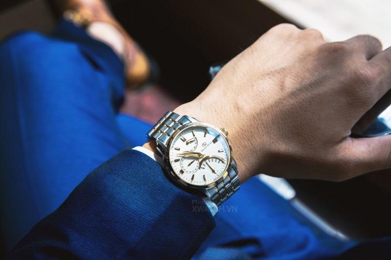 đeo đồng hồ tay trái thoải mái