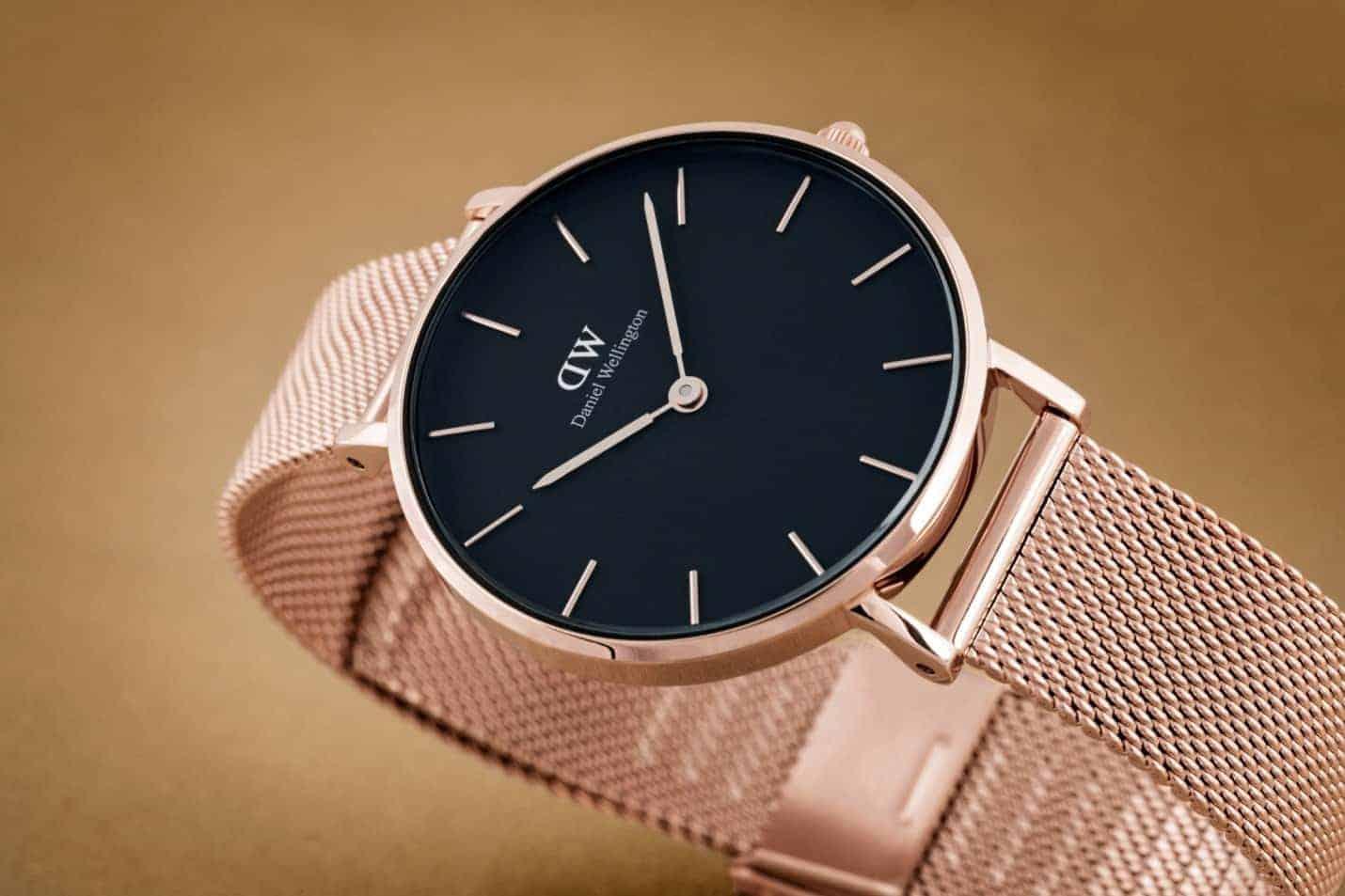 bạn đã biết đeo đồng hồ của DW nhanh chóng