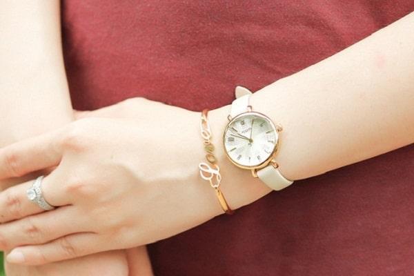 cách chọn đồng hồ đeo tay nữ