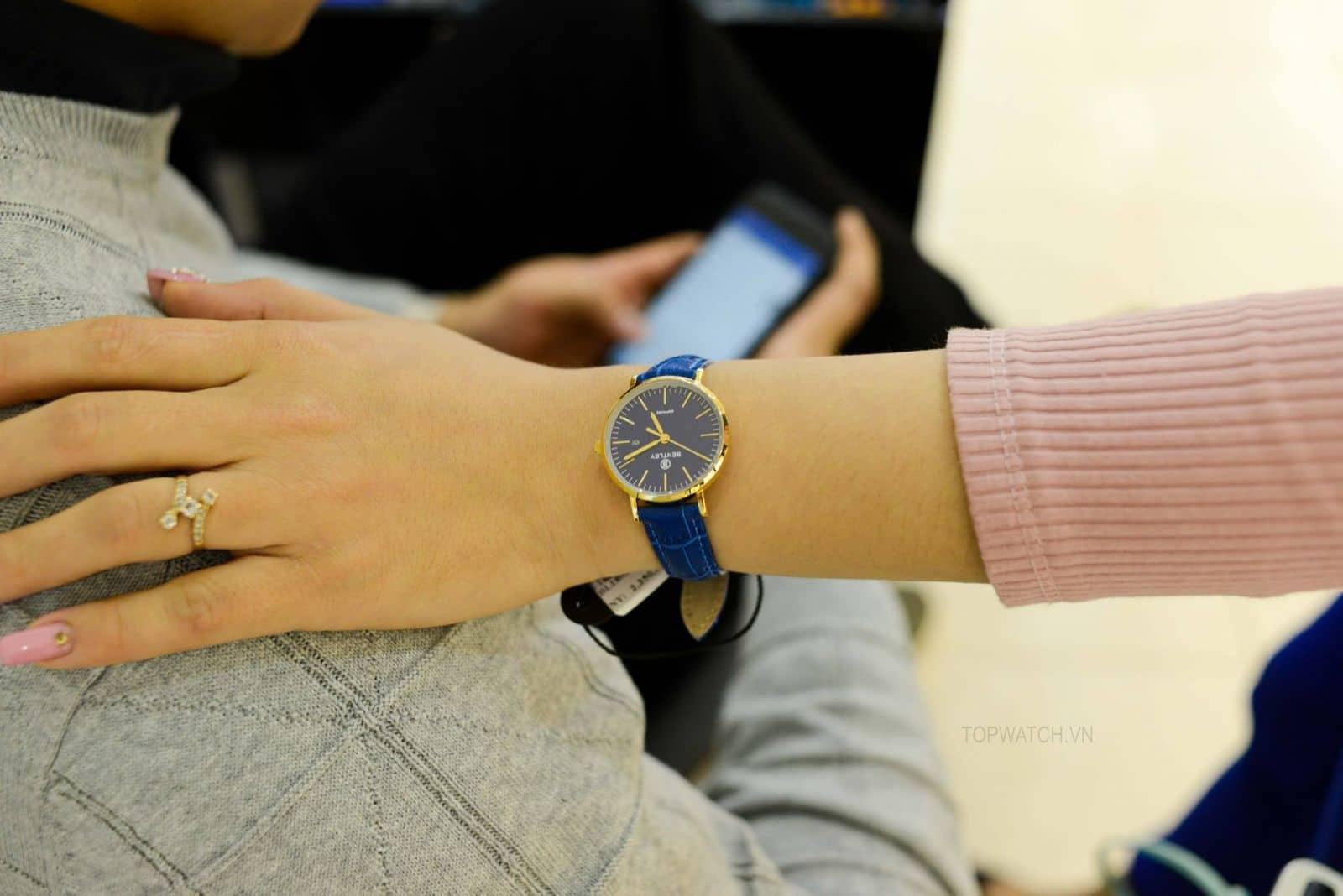cổ tay nhỏ nên chọn đồng hồ nữ size nào