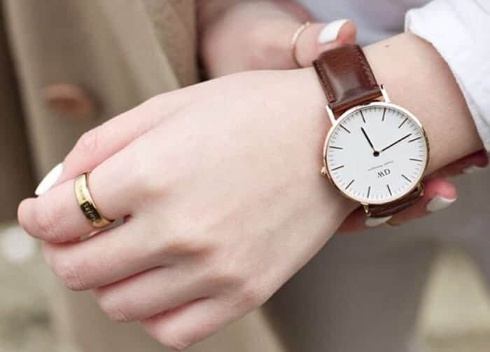 bạn đã đeo đồng hồ dw cổ điển đúng cách chưa