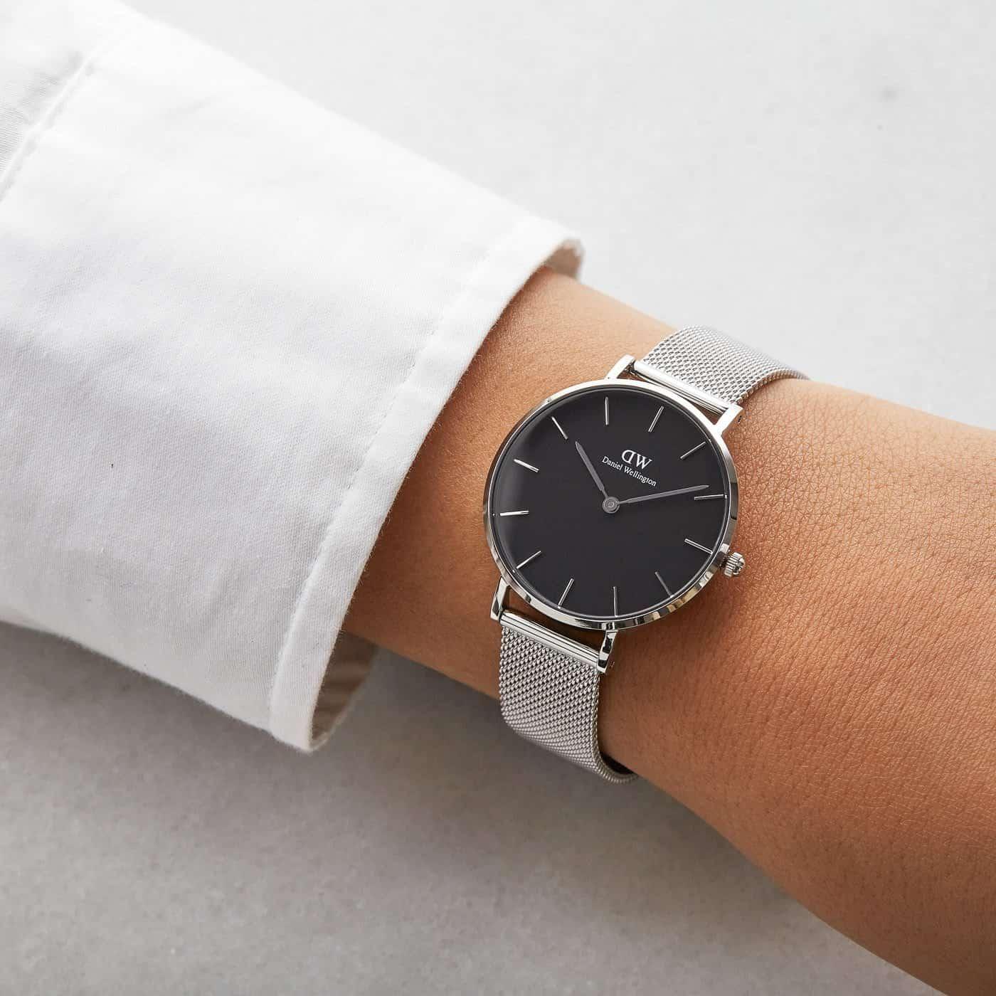 đeo đồng hồ dw dây kim loại