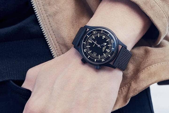 đeo đồng hồ cho nam đúng cách