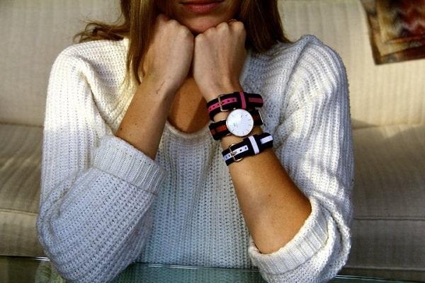 đeo đồng hồ dw dây vải sao cho thật cá tính