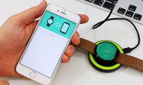 sử dụng ứng dụng để khỏi động đồng hồ thông minh