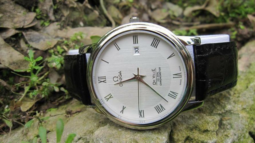 mách bạn cách chỉnh đồng hồ 3 kim có lịch ngày