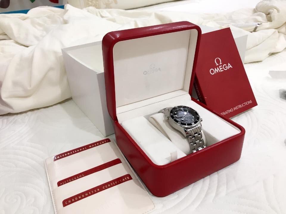 những đặc điểm nhận biết được đồng hồ omega chính hãng