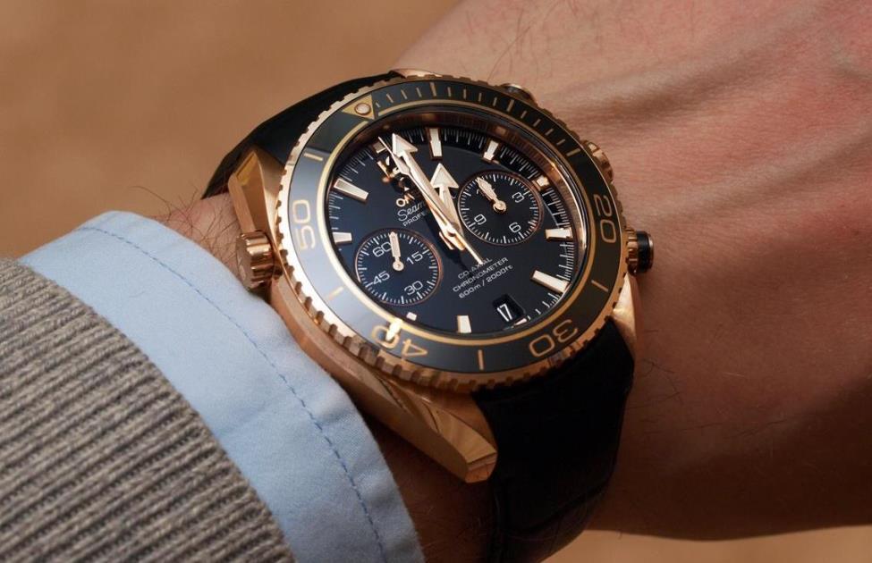 những cách phân biệt đồng hồ omega giả