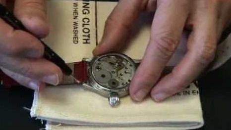 mách bạn cách thay dây đơn giản cho đồng hồ