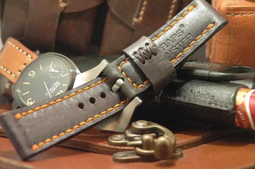 hướng dẫn làm sạch dây da đồng hồ chuẩn nhất