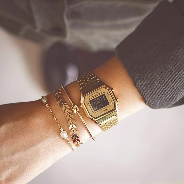 cắt dây đồng hồ như thế nào khi đeo bị rộng