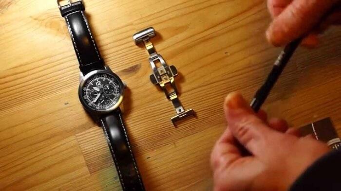 hướng dẫn gắn khóa bướm dây da đồng hồ