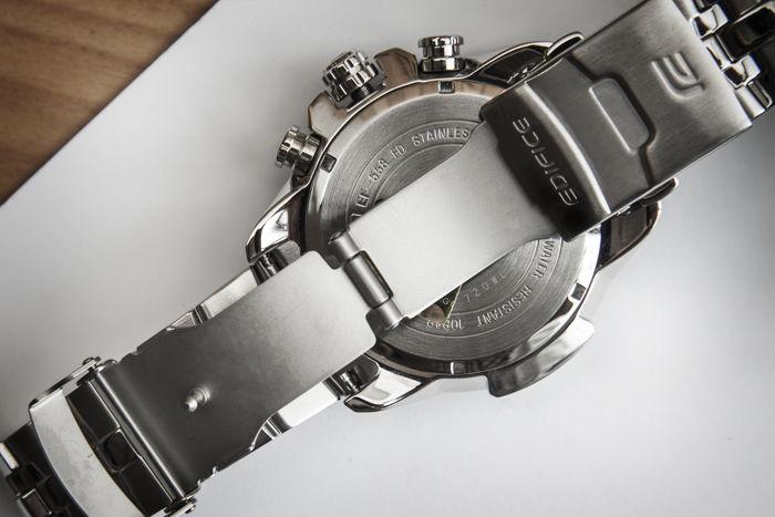 hướng dẫn chi tiết giúp bạn nhận biết đồng hồ real - fake
