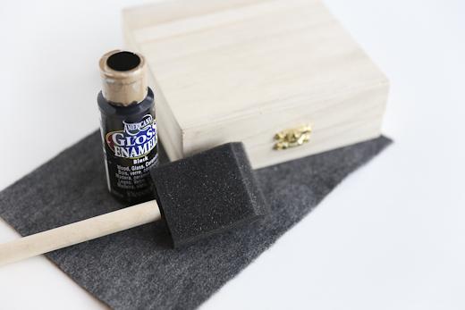 tự là hộp đựng trang sức bằng hộp gỗ